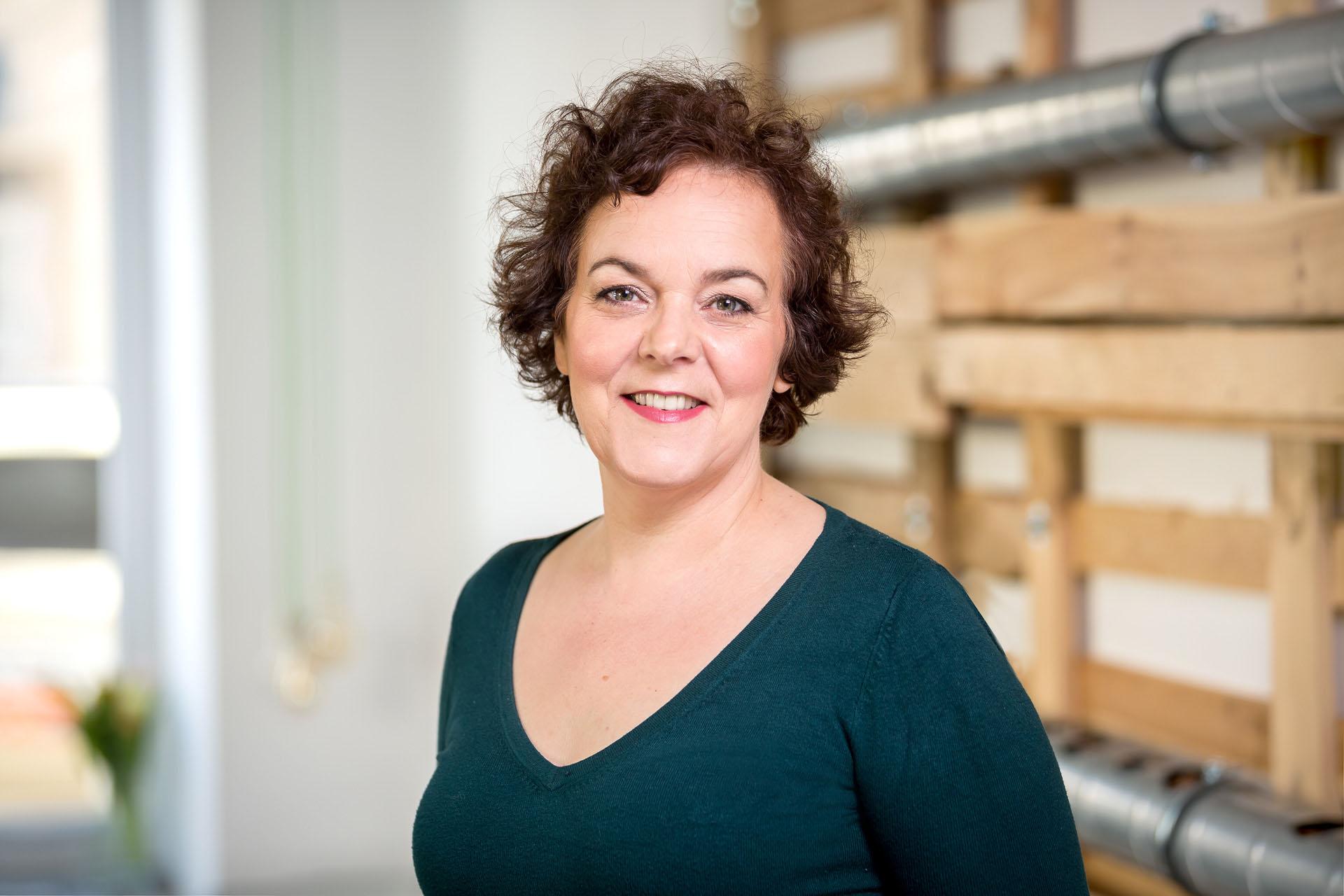 Personal Branding Fotos- Businessfrau im Coworking Space